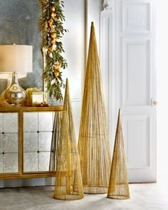 H8D44 Large Wire Christmas Trees, 3-Piece Set