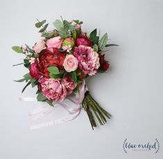Planning A Fantastic Flower Wedding Bouquet – Bridezilla Flowers Wedding Flower Arrangements, Flower Bouquet Wedding, Bridesmaid Bouquet, Floral Arrangements, Bridal Bouquets, Flower Bouquets, Rose Bouquet, Wedding Tips, Our Wedding