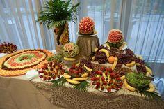 Fantana de ciocolata, masa de fructe, fructe sculptate,bar de fructe