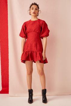 Teen Fashion Outfits, Red Fashion, Fashion Models, Fashion Dresses, Unique Dresses, Elegant Dresses, Short Dresses, Brunch Dress, Fashion Illustration Dresses