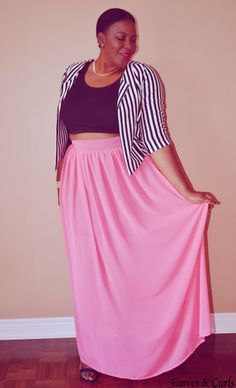 Plus size fashion for women. plus size maxi skirt how to wear; #plus size; plus size maxi skirt outfits; plus size cropped top; cropped jacket; Canadian fashion blogger; toronto blogger. my curves and curls blog