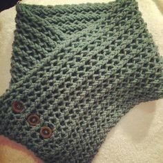 Cuello honeycomb en telar rectangular tejido por @traceyrobilliard