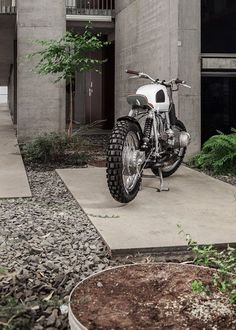 Nice BMW 2017: BMW R80RT Scrambler by Vagabund 6... Motos Check more at http://carsboard.pro/2017/2017/02/16/bmw-2017-bmw-r80rt-scrambler-by-vagabund-6-motos/