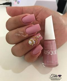 Newest Decorated & Pink Nail Art , And for those that love pink enamel and every one its nuances, nowadays we tend to bring stunning nails adorned Pink Nail Art, Blue Nails, Glitter Nails, My Nails, Acrylic Nail Designs, Acrylic Nails, Acrylic Colors, Pretty Nail Designs, Super Nails