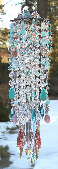 DIY wind chime made from chandelier and lamp parts, broken jewelry, and strings of beads. Crystal Wind Chimes, Glass Wind Chimes, Arts And Crafts, Diy Crafts, Mobiles, Diy Hacks, Suncatchers, Yard Art, Glass Art