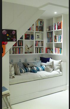I need a reading nook just like this! Perfect!!