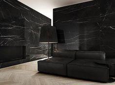 Revestimiento en Mármol Negro Marquina.    Contactanos a ventas@canterasdelmundo.com  www.canterasdelmundo.com  #livings #hall #marmol #negro #deco #arquitectura #ideas
