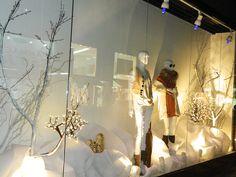 Inverno 2013 - Vitrine Atlântico Shopping - Tudo branco -  concepção cenário e Styling por Alexandra Difa -
