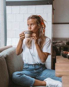 6 Different Ways to Style Mom Jeans and look chic AF, . : 6 Different Ways to Style Mom Jeans and look chic AF, Scarf Hairstyles, Summer Hairstyles, Daily Hairstyles, Little Girl Hairstyles, Hairstyles For School, Everyday Hairstyles, Cute Hairstyles, Mode Outfits, Jean Outfits
