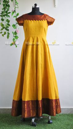 Kalamkari dresses - Handloom Cotton gown with kanchi border Highlights Colours are customisable Kindly whatsapp @ 7995038888 for placing Orders ! Saree Gown, Sari Dress, Frock Dress, Dress Neck Designs, Saree Blouse Designs, Designs Kurta, Choli Designs, Kalamkari Dresses, Ikkat Dresses