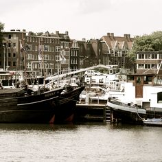 Holland - Amsterdam - Westerdok - boats - house