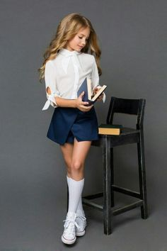 Love pre teens in white socks 😘 Preteen Girls Fashion, Young Girl Fashion, Kids Outfits Girls, Cute Girl Outfits, Little Girl Fashion, Kids Fashion, Teenage Outfits, Nice Outfits, Tween Girls
