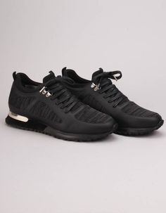 The black diver knit trainers from Mallet have plain black and marl mesh panelled uppers with lace up fronts. They feature a silver metal D ring to the heel and silver top eyelets. Silver Tops, Plain Black, All Black Sneakers, Trainers, Footwear, Lace Up, Knitting, Heels, Men