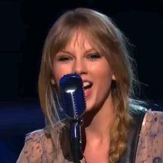 Taylor Swift 2006, Taylor Swift Singing, Taylor Swift Music Videos, Taylor Swift Funny, Taylor Swift Concert, Taylor Swift Pictures, Taylor Alison Swift, Selena Gomez Music, Queen