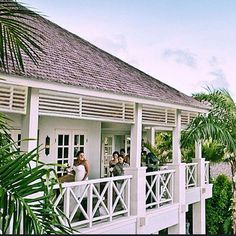 """@santabelle_on_the_water on Instagram: """"Beautiful Bahamas style beach house...🌿😍...never gets it wrong....@Stuartmemberyarchitecture)"""""""