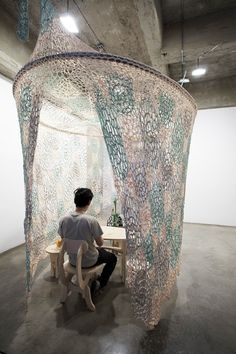 Ernesto Neto, interactive installations, weaving, space, curtain