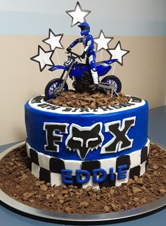 Discover recipes, home ideas, style inspiration and other ideas to try. Dirt Bike Party, Dirt Bike Wedding, Dirt Bike Cakes, Bike Birthday Parties, Dirt Bike Birthday, Motorcycle Birthday, Boy Birthday, Birthday Cake, Motocross Birthday Party