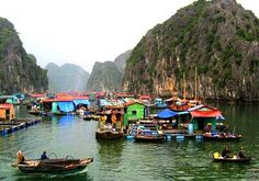 Teluk Halong (Halong Bay Floating Village), Vietnam