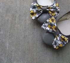DIY: changeable shoe bows
