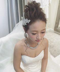 日曜は大阪でブライダルでした☺️ 挙式はお団子スタイル✨ ・ #ブーケ #プレ花嫁 #卒花 #ウェディングドレス #ブライダルヘア #ブライダルヘアメイク #WD #CD