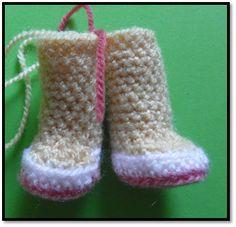 MATERIALES   Lana de diferentes colores  Grosor de la lana: 3-4 mm  Aguja crochet adecuada para el grosor de la lana  Aguja coser l...