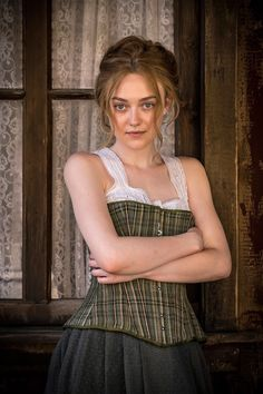 Trailers, clips, images and posters for the western thriller BRIMSTONE starring Dakota Fanning, Guy Pearce and Kit Harington. Dakota Fanning, Ellie Fanning, Fanning Sisters, Beauty Around The World, Elizabeth Gillies, Actrices Hollywood, Queen, Celebrity Photos, Beauty Women