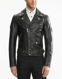A classic biker style, the Arlingham is a stylish addition to the modern wardrobe courtesy of a slim fit. Shop the Arlingham biker jacket from Belstaff US. Biker Style, Jacket Style, Modern Wardrobe, Belstaff, Latest Mens Fashion, Leather Jackets, Stylish, How To Wear, Shopping