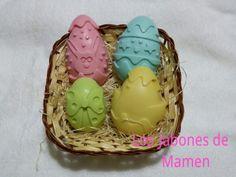 Cestita con varios huevos de pascua