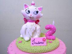 Topo de bolo da gatinha mais charmosa que existe!