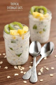 Overnight Oats - Dessert Now, Dinner Later! Tropical Overnight Oats - Dessert Now, Dinner Later!Tropical Overnight Oats - Dessert Now, Dinner Later! Breakfast And Brunch, Mason Jar Breakfast, Oats Recipes, Cooking Recipes, Brunch Recipes, Breakfast Recipes, Breakfast Ideas, Healthy Snacks, Healthy Recipes