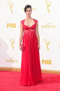 Pin for Later: De Nombreuses Stars se Sont Retrouvé Sur le Tapis Rouge des Emmy Awards Morena Baccarin