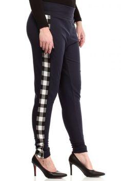 Granatowa spodnie z czarno biała kratą Capri Pants, Fashion, Moda, Capri Trousers, Fashion Styles, Fashion Illustrations