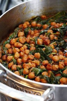 Chickpea and spinach curry. Love curry, love chickpeas, love spinach. Seems a winner! #curry #vegetarian #vegan