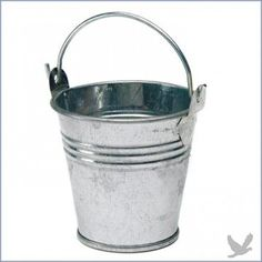 with your garden or western theme wedding include some mini metal pails with handles as a table decoration or favor the pails can be filled with candies or
