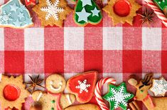 Party Tips: Teaching Kids to Cope with All the Treats, holiday e guide from party, clipart introduce yoursel. Christmas Gingerbread, Holidays With Kids, Survival Guide, Teaching Kids, Holiday Parties, How To Introduce Yourself, Holiday Recipes, Career, Healthy Eating