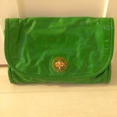 """Marc by Marc Jacobs patent leather envelope bag green patent leather envelope bag with removable strap; gold buckle fastens in front; three interior pockets and one exterior pocket (back); small minor stain on inside flap (last photo) - otherwise great condition  13""""x2""""x9"""" Marc by Marc Jacobs Bags"""