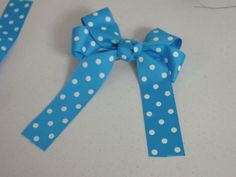 How To Make Hair Bows, Video & Step by Step! ~ http://www.southernplate.com