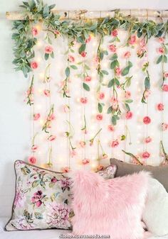 Ideas to decorate with paper flowers - Crafts . - Ideas to decorate with paper flowers – Crafts - Sala Floral, Floral Room, Floral Bedroom Decor, Paper Flowers Craft, Cute Room Decor, Aesthetic Room Decor, Girl Bedroom Designs, Bedroom Ideas, Dream Rooms