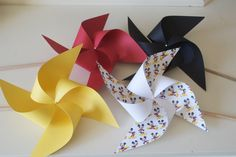 Excited to share this item from my shop: Mickey Birthday Party Decorations, Mickey Mouse Party Decor mickey Centerpiece 6 regular Pinwheels Mickey Mouse(custom orders welcomed) Mickey Mouse Party Decorations, Circus Decorations, Birthday Party Decorations, Wedding Decorations, Mickey Centerpiece, Birthday Centerpieces, Diy Spinning Wheel, Diy Pinwheel, Paper Pom Poms
