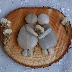 Aşk olsun #tasboyama#taşboyanasanatı #stoneart#paintedraks#beautifulstone#love #ahşap