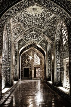 Sheikh Lotf-allah's Mosque - Isfahan - Iran (by Erfan Shoara)
