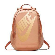 Nike Hayward 2.0 Backpack Nike School Backpacks, Cute Backpacks For School, Nike Sportswear, Nike Bags, Vans Bags, Gold Backpacks, Nike Gold, Backpack For Teens, Luxury Handbags