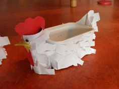 Could do this with the new coffee paper packages instead of plastic containers Spring Art Projects, Spring Crafts For Kids, Projects For Kids, Diy For Kids, Toilet Paper Roll Crafts, Cardboard Crafts, Chicken Crafts, Educational Crafts, Easter Art