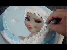Bolo Elsa (Frozen), com trança de chantilly e papel arroz. - YouTube