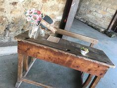 Mise en place de ma décoration de mariage // Photo : Florent Travia Decoration, Pallet, Animation, Furniture, Home Decor, Mise En Place, Travel, Decor, Decoration Home