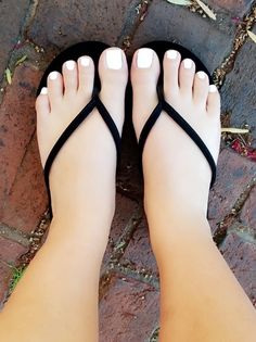 Image may contain: one or more people, shoes and closeup Pretty Toe Nails, Cute Toe Nails, Cute Toes, Pretty Toes, Teen Toes, Beach Foot Jewelry, Foot Pics, Feet Nails, Beautiful Toes