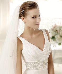 MURIEL » Wedding Dresses » 2013 Fashion Collection » La Sposa (close up)