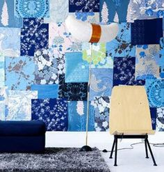 """Com pedaços de tecido, papel de parede, contact ou com azulejos de cores e estampas diferentes dá pra fazer aquela miscelânea típica do patchwork na parede. Resultado: o cantinho fica alegre, colorido e descolado.<br><br><a href=""""http://bbel.com.br/decoracao/post/bbel-viu-e-gostou/efeito-patchwork-na-parede"""">18 ideias para ter o efeito patchwork na parede</a>."""