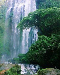 Hulugan Falls Luisiana Laguna Philippines Photo by @constagrammer #laguna #philippinesFun Travel in the Philippines (y)