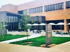 Thanks to the Raj Soin College of Business and Reynolds and Reynolds, Wright State University nursing students will have a short walk to the nearest coffee shop this fall!